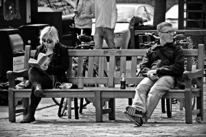 Talking-to-strangers-on-a-bench